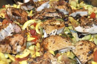 Receta de Saladmaster - Muslos de Pollo Asados con Verduras