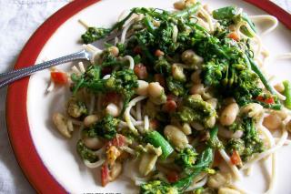 Salteado de Broccolini y Pesto