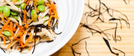 Receta de Saladmaster: Ensalada de Alga Arame y Fideos Soba