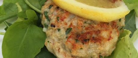 Burger recipe made from seafood and garlic herb