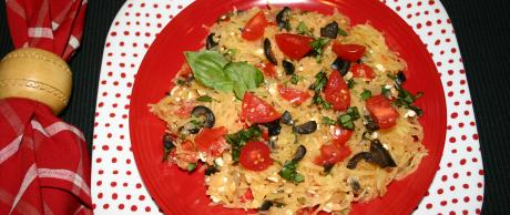 Calabaza Espagueti con Tomates y Feta