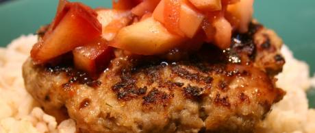 Receta de Saladmaster - Hamburguesas de Pavo con Salsa de Manzana y Ciruela
